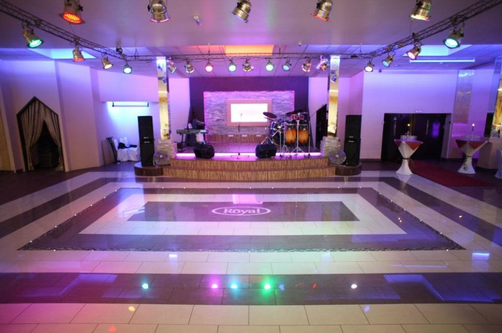 Die große Tanzfläche im Event Palace